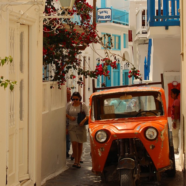 #Mykonos #Greece where you can let the inner party animal in you out http://lonexplorer.com.au/topdeck-mega-european-tour