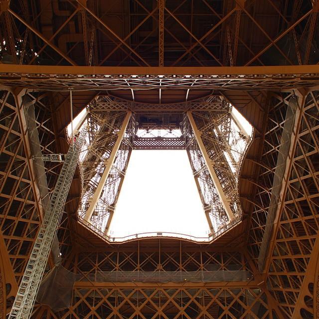 Hello #Paris