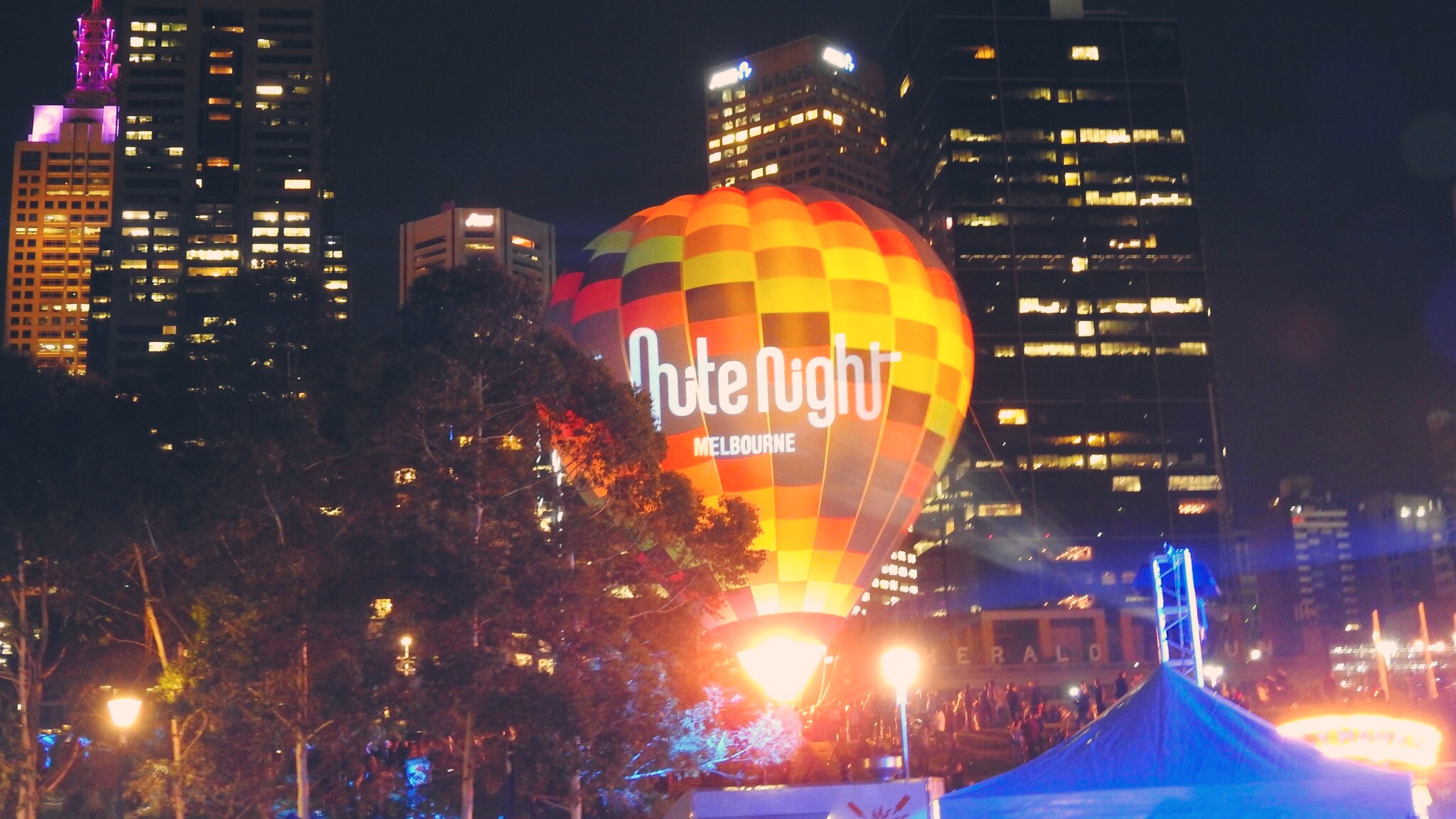 Hotel Review: Booking a Secret Hotel with lastminute.com.au for a White Night out in Melbourne